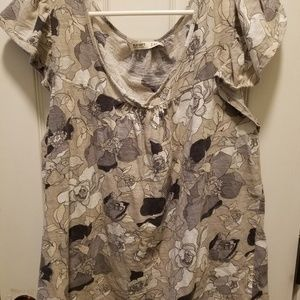 Tops - Old navy floral shirt